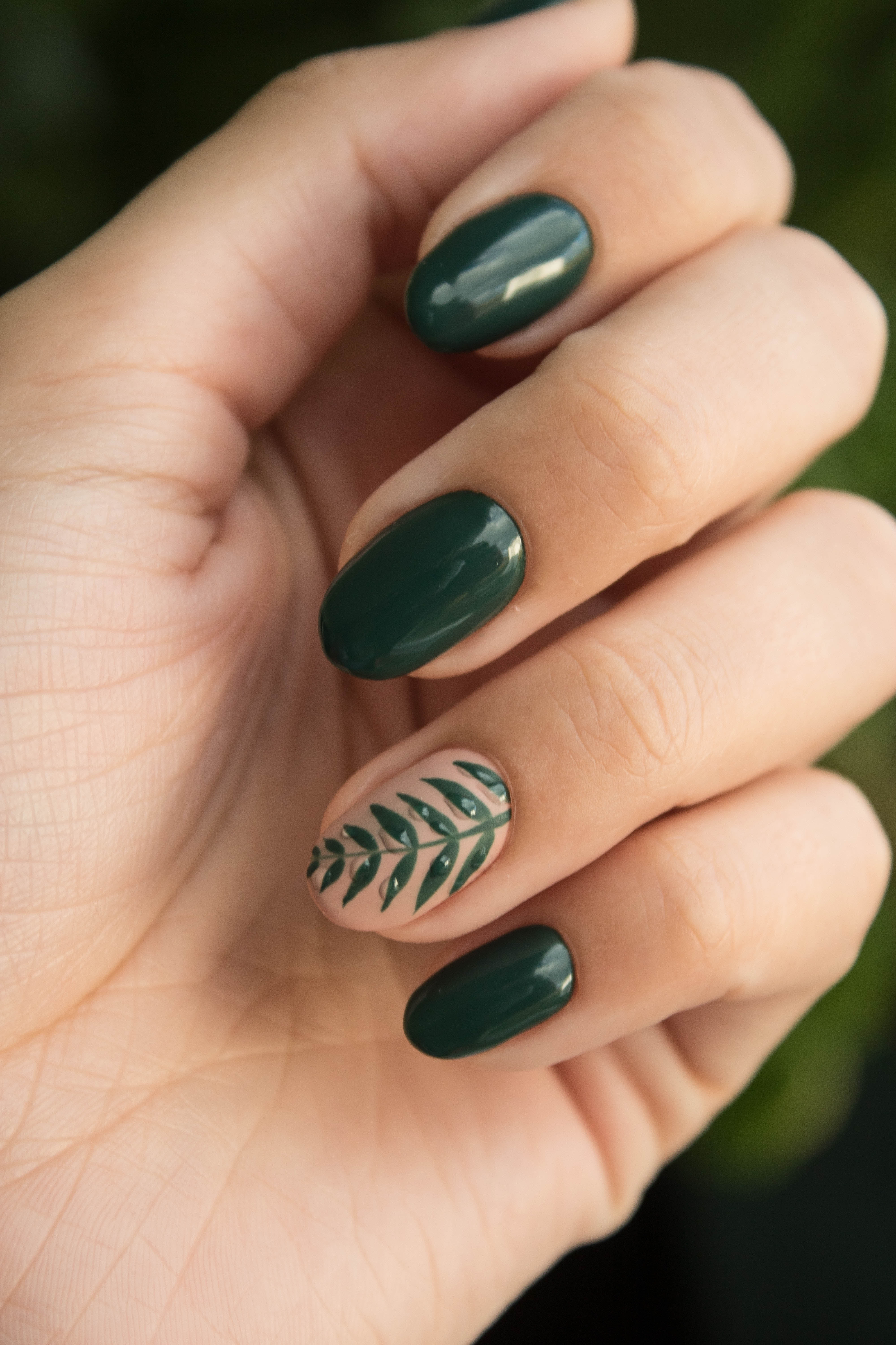 Painted green nails